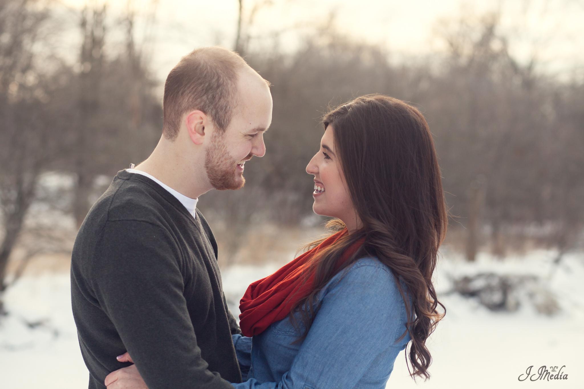 Winter-Engagement-Photos-JJMedia-1