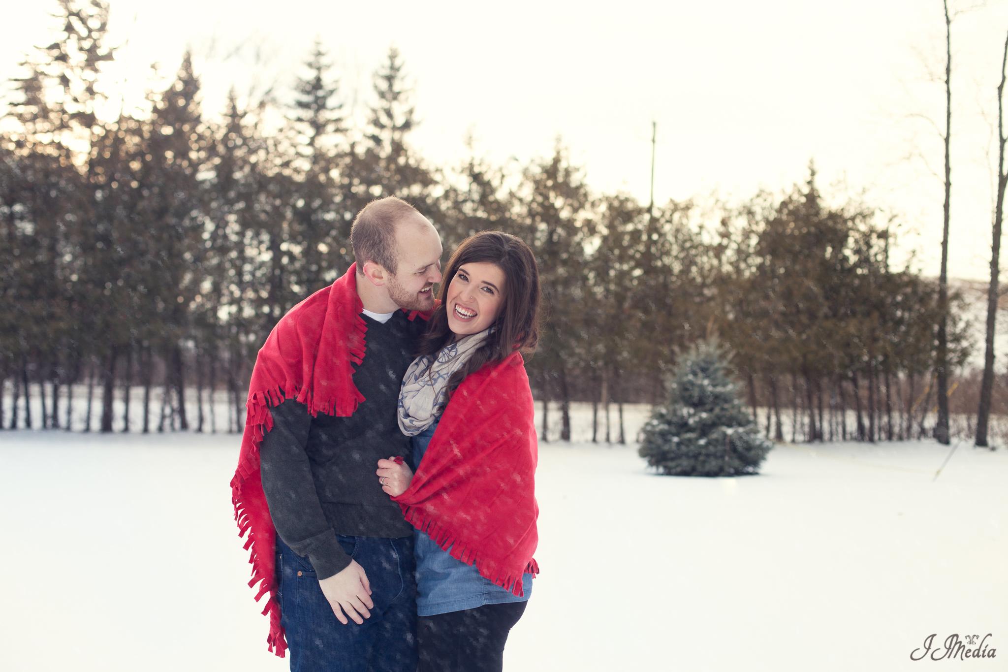 Winter-Engagement-Photos-JJMedia-11