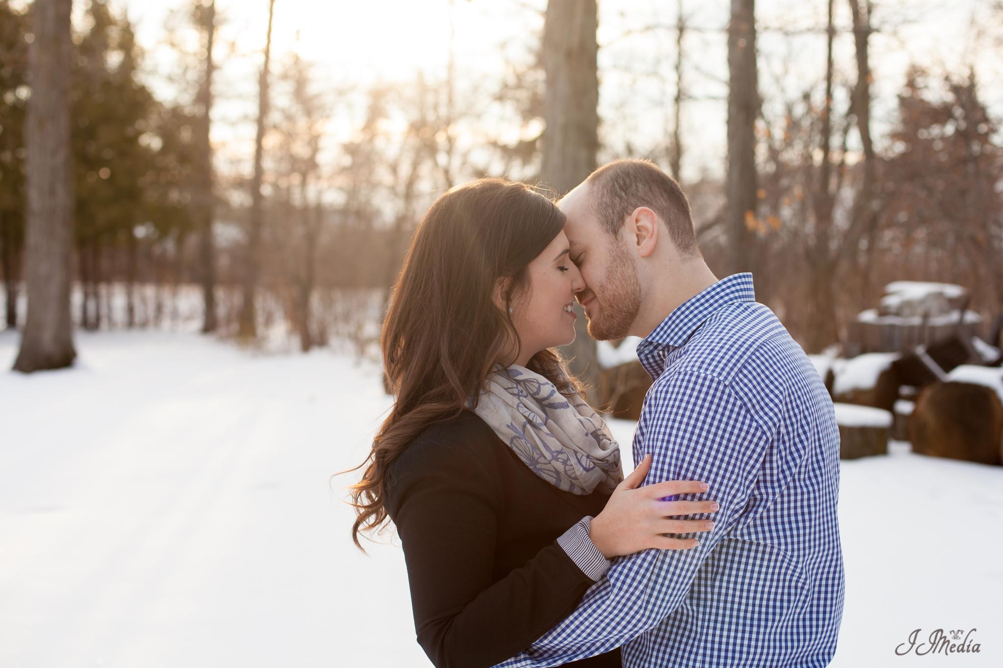 Winter-Engagement-Photos-JJMedia-21