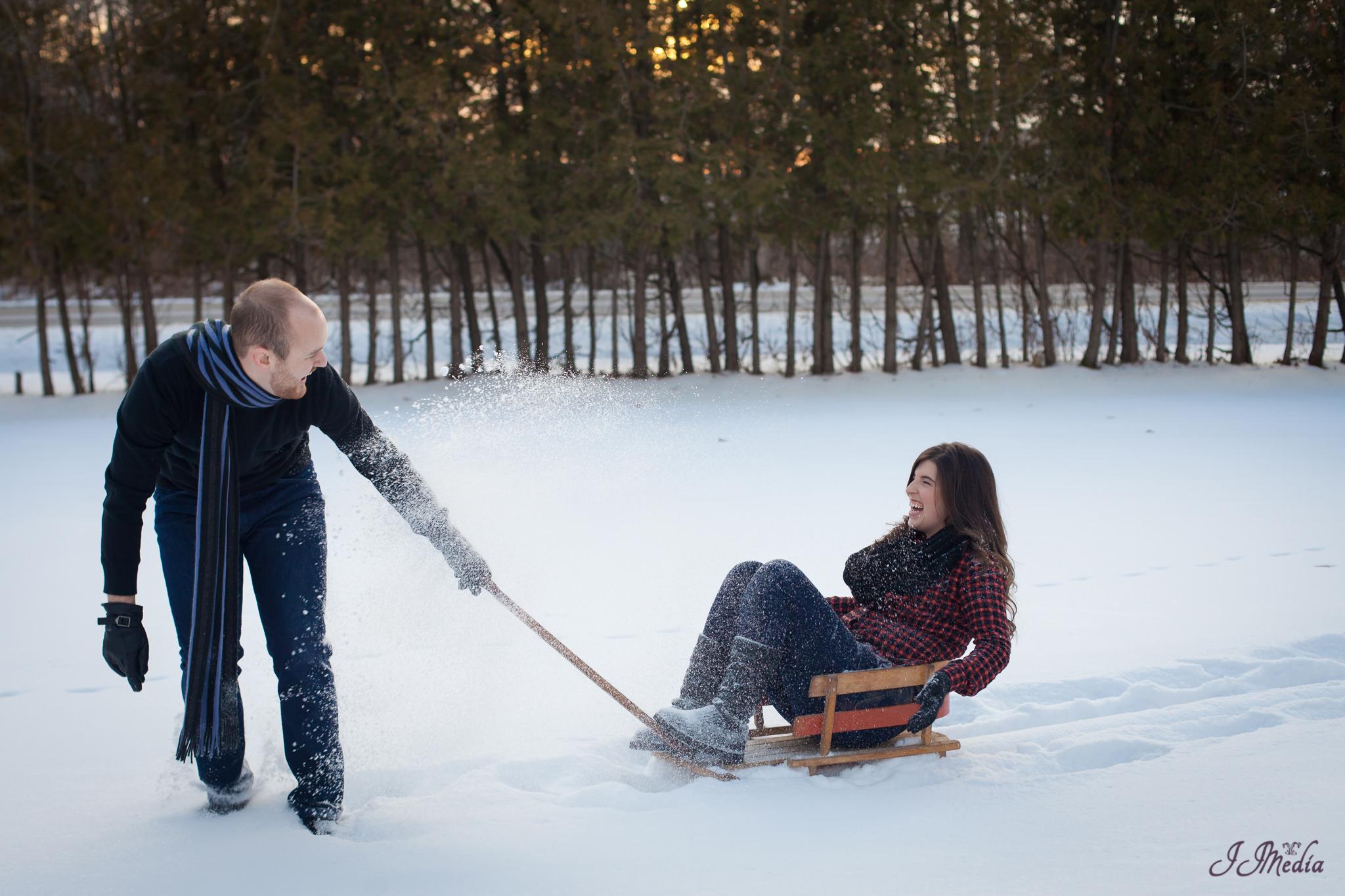 Winter-Engagement-Photos-JJMedia-35